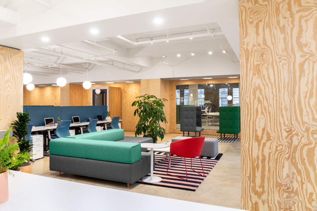 Văn phòng nhiều màu sắc