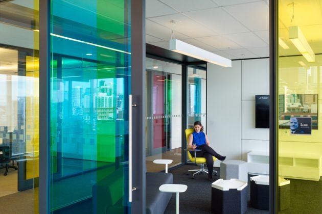 Chụp ảnh của DIRTT + Lane Office.